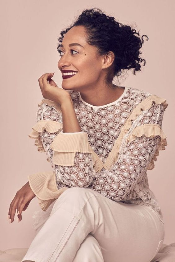 TRACEE ELLIS ROSS'S SPEECH AT THE GLAMOUR 2017 WOMEN'S SUMMIT  IS THE PICK ME UP YOU DIDN'T KNOW YOU NEEDED.