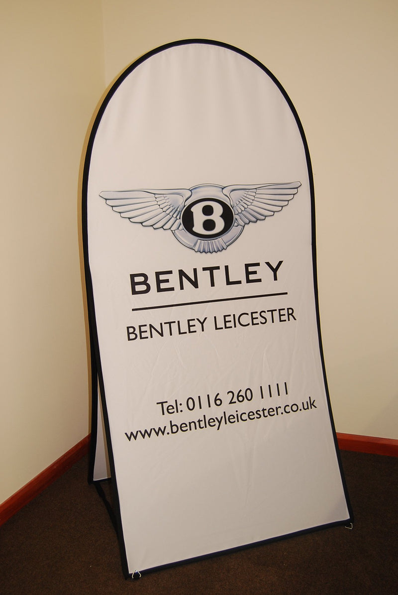 Vertical pop out banner - 1.5m x 1m