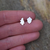 Oak Leaf and Acorn Asymmetrical Studs in Brushed Recycled Silver