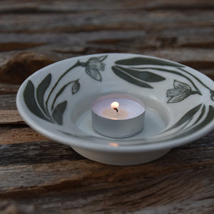 Snowdrops Candle Dish Size Large in Green on Porcelain