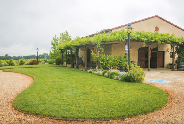 Enjoy live music & wine tasting—May 20th 12-2 P.M.—Cooper Vineyards