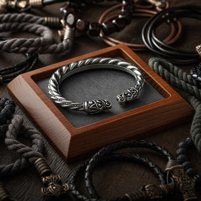 collier viking