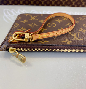 LIKE NEW PLUM PINK NEVERFULL CLUTCH