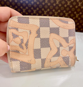 LV TAHITI LIMITED EDITION COIN POUCH