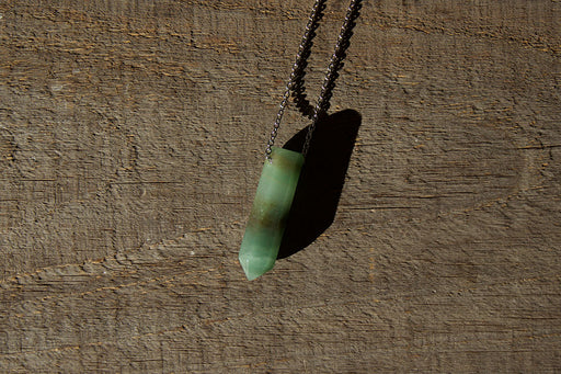 Green Aventurine Pendant Point Necklace