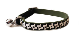 Cat's Life PVC Collar: Houndstooth - Non-Toxic PVC. Available online from Yes.Pet