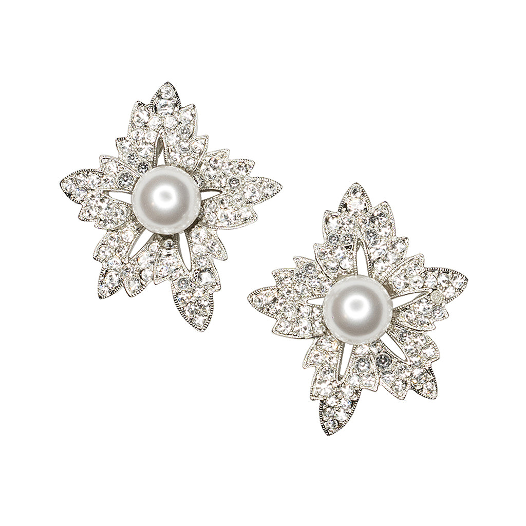 L'Officiel Thailand - White Pearl Flower Clip Earrings