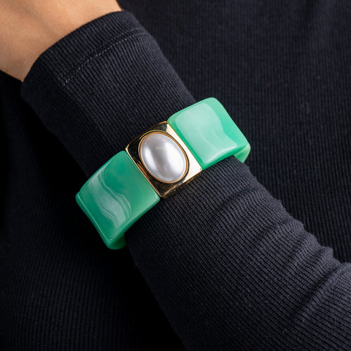 Jade with Gold and White Pearl Center Stretch Bracelet