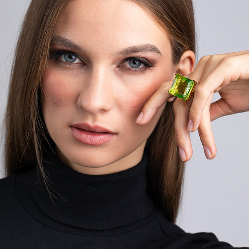 Vogue Paris/August 2019 - Polished Gold and Peridot Square Center Stone Ring