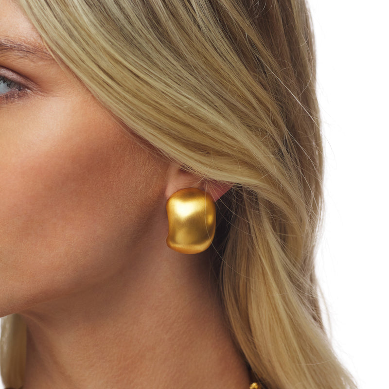 Satin Gold Ribbed Clip Earring