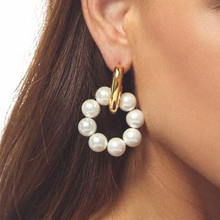 Shell Pearls Doorknocker Pierced Earring