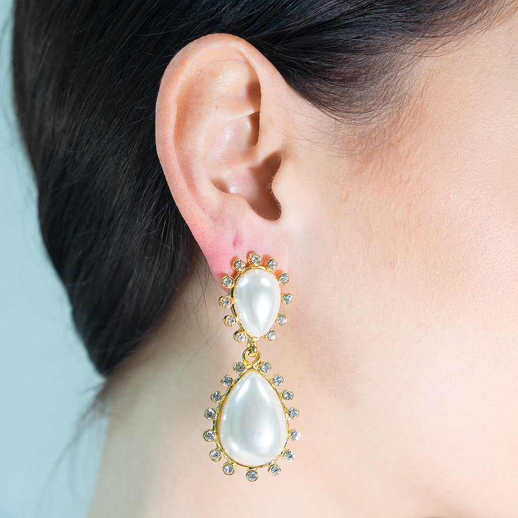 White Drop Pearl Teardrop Pierced Earring