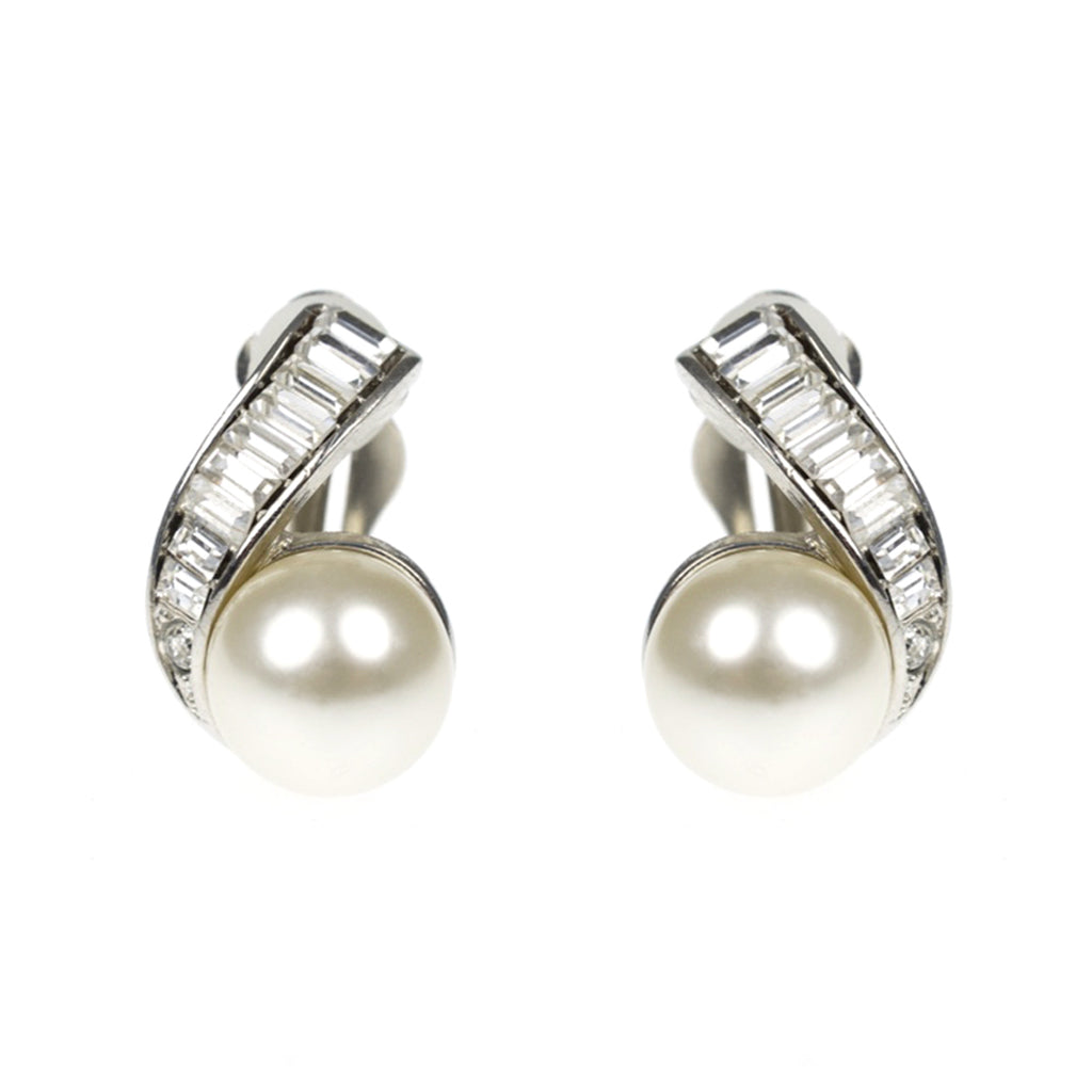 Crystal & Cultura Pearl Ball Clip Earrings