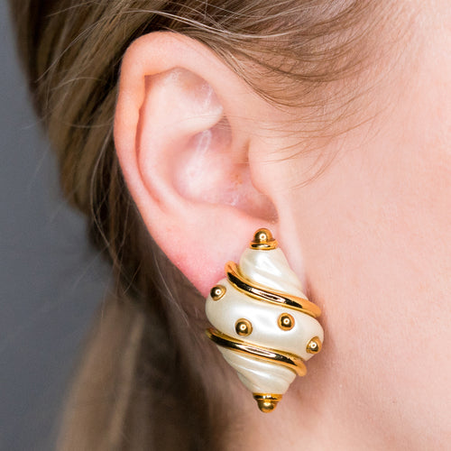 Cultura Pearl Shell Earring with Gold Dots
