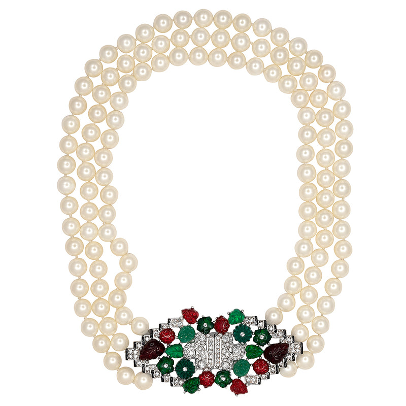 Pearl Deco Clasp Necklace