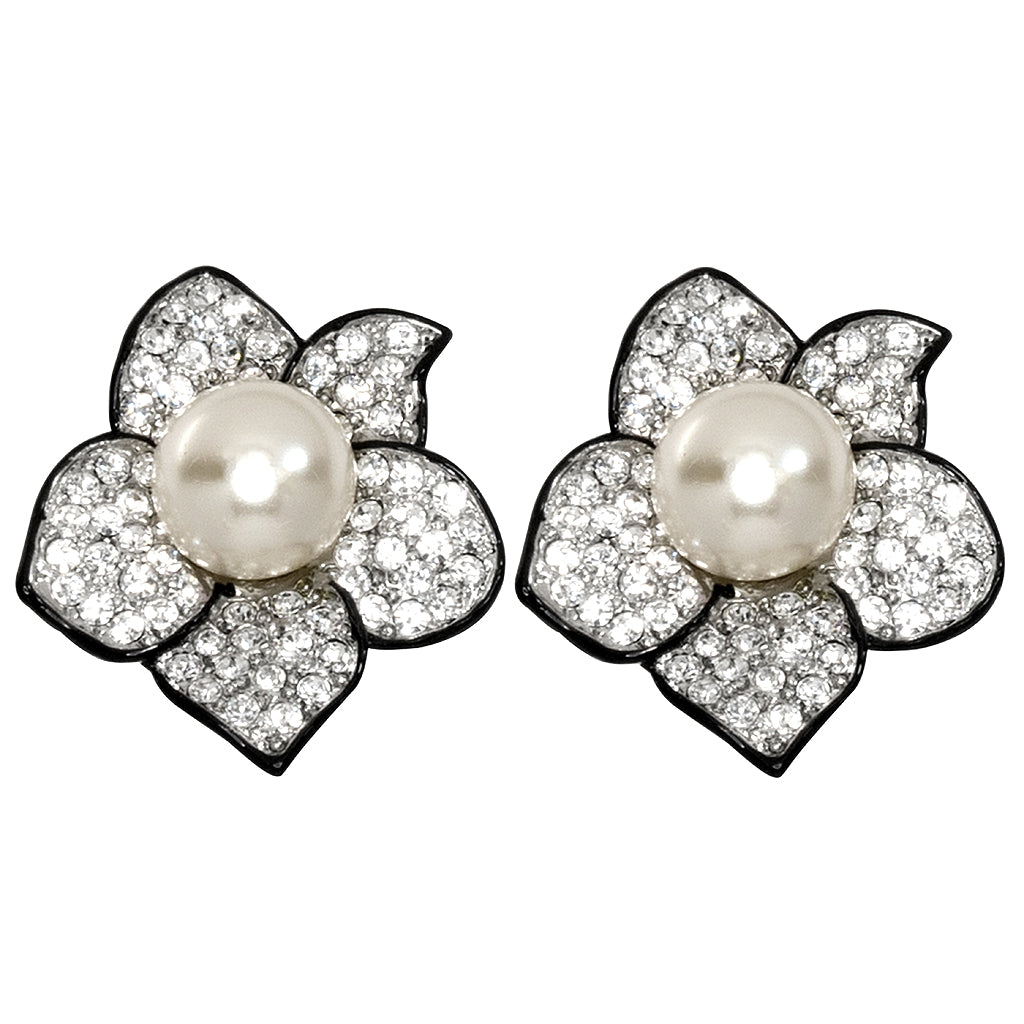 The Knot/Fall 2017 - Pearl Center Flower Clip Earrings