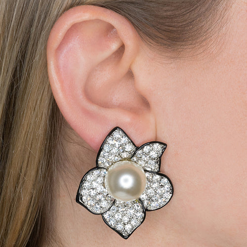 Pearl Center Flower Clip Earrings