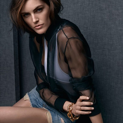 Hilary Rhoda in the Polished Gold Large Link Bracelet