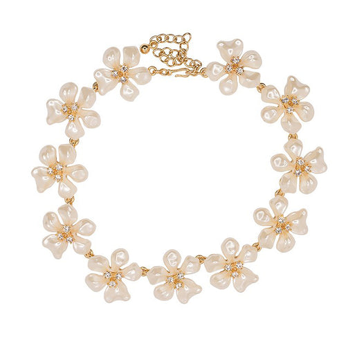 White Pearl Flower Necklace