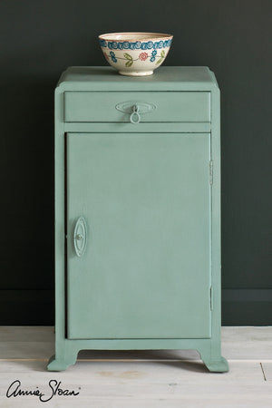 duck-egg-blue-side-table-by-annie-sloan-1