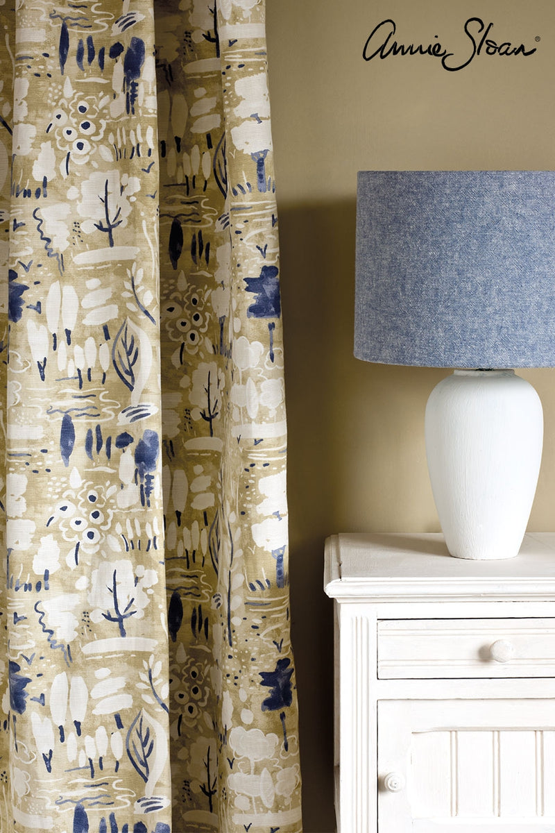 original-side-table_-dulcet-in-versailles-curtain_-linen-union-in-old-violet-_-old-white-lampshade-72dpi-image-3