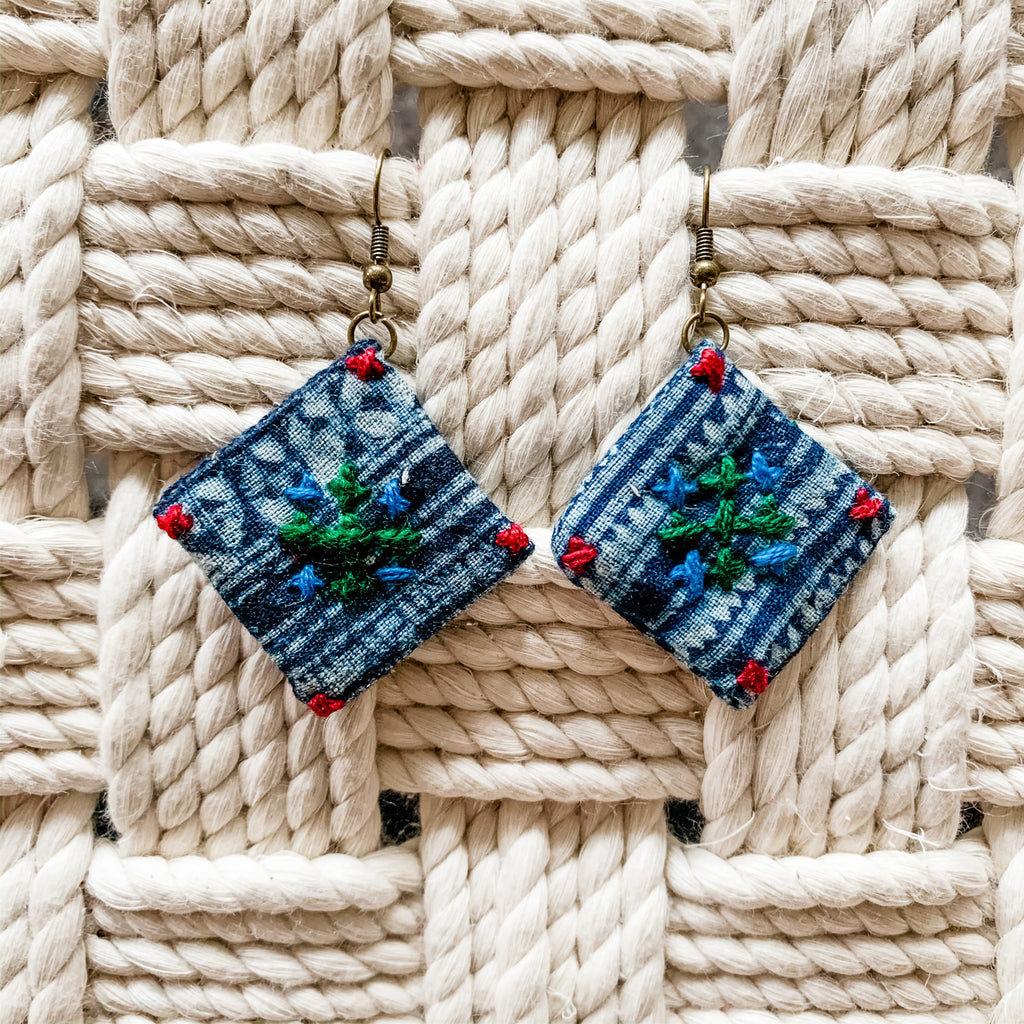 Batik Diamond Earring