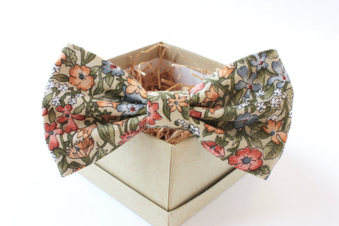 Green and Gold Floral Bow Tie