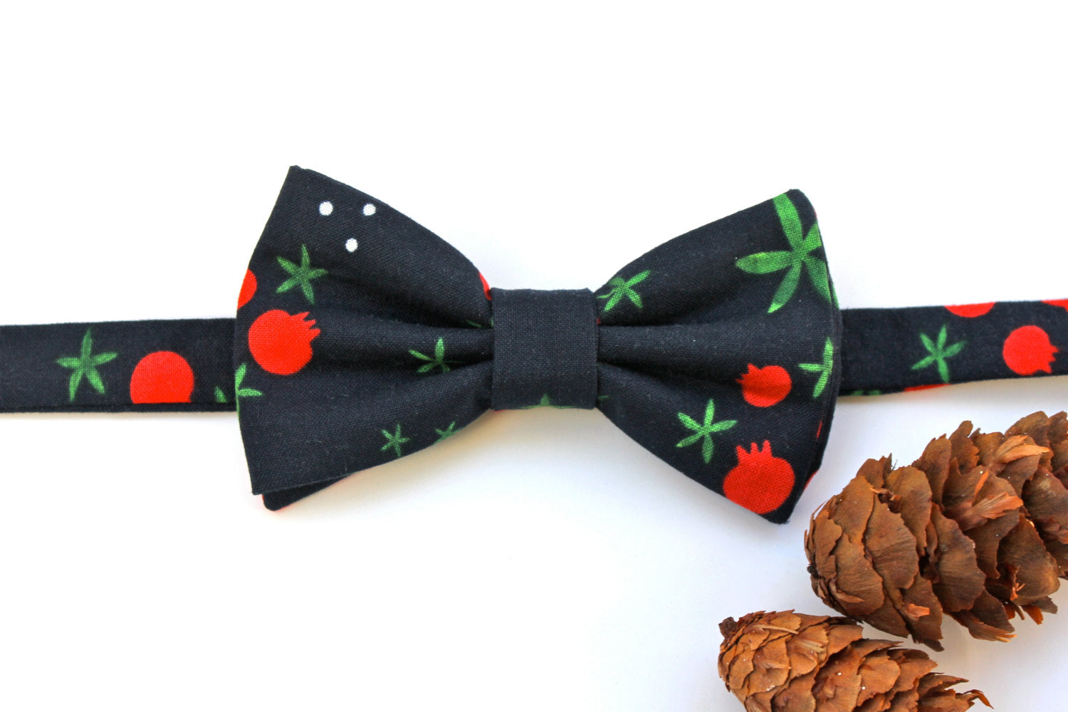Navy Pomegranate/Berry Bow Tie