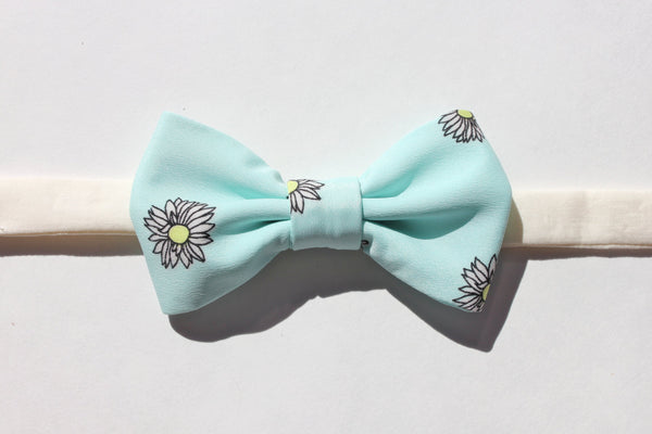 Light Blue Daisy Bow Tie