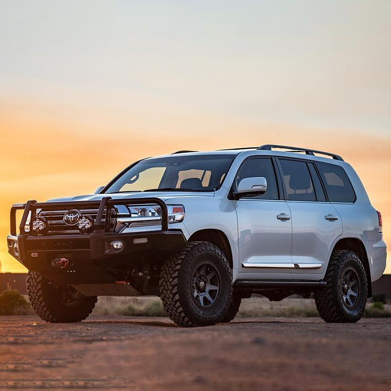 White 200 Series Toyota Landcruiser