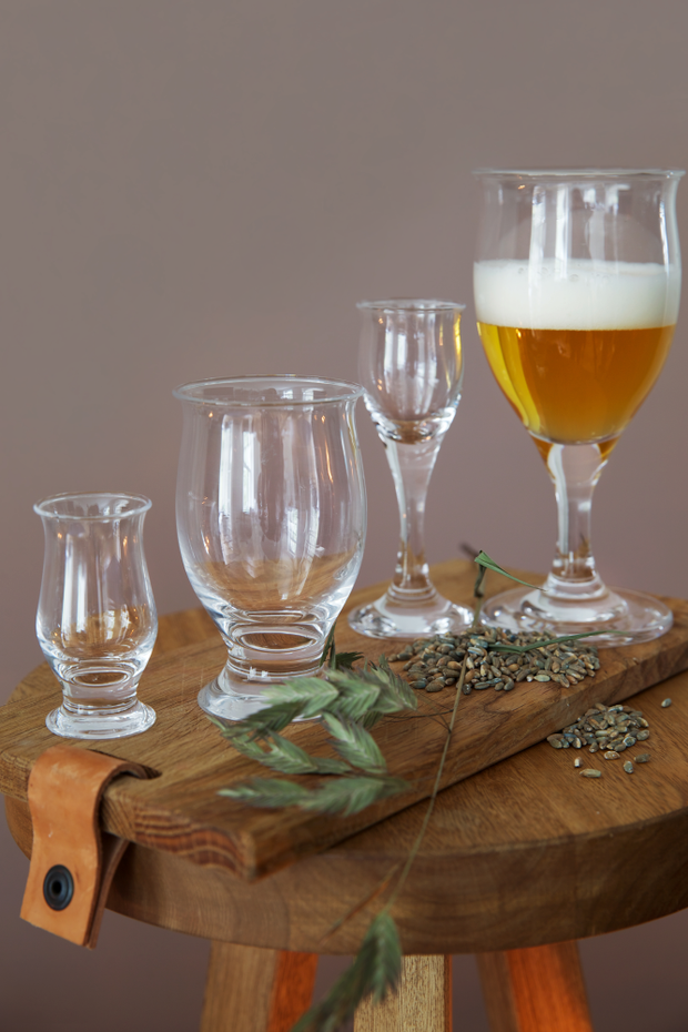 Holmegaard-Idéelle-Beer-Glass-with-stem