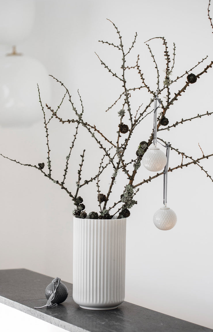 Lyngby-Rhombe-Decor-Bauble-White