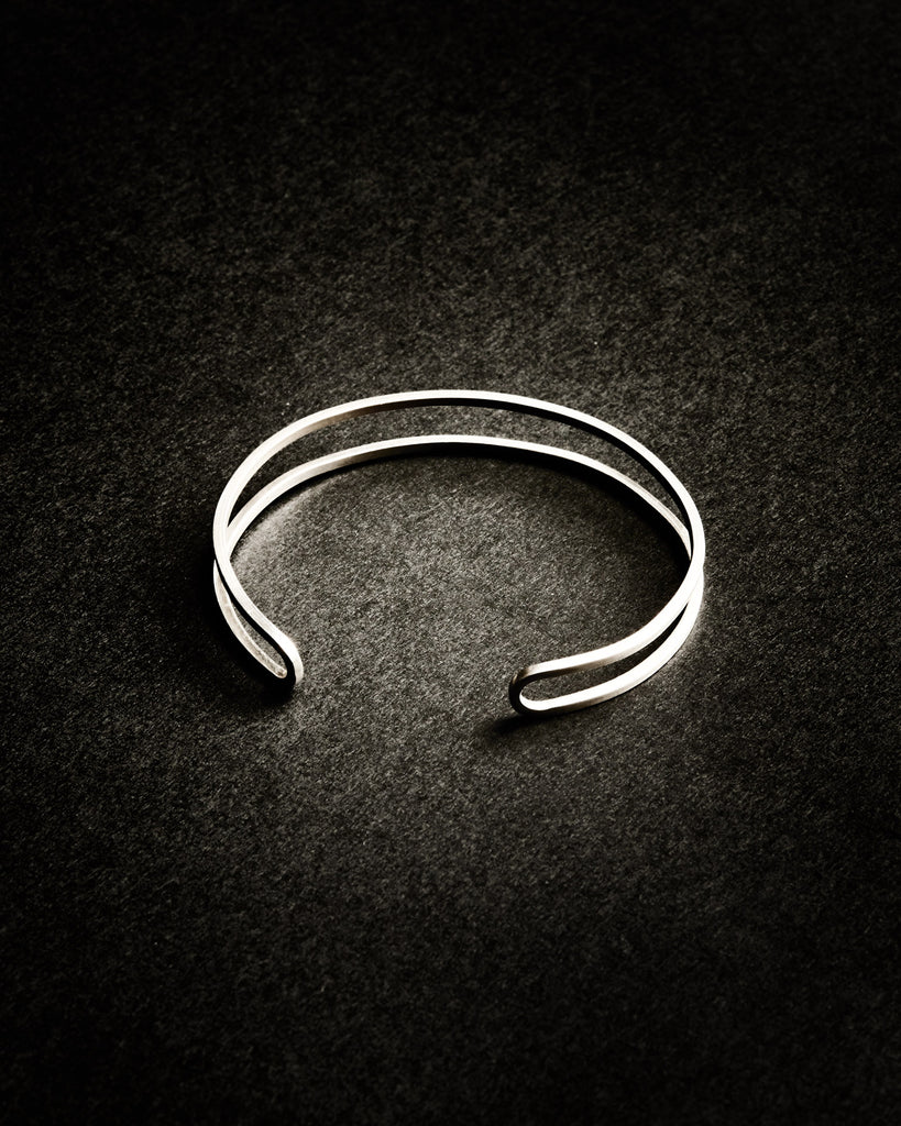 DOUBLE-SQUARE HOOP CUFF