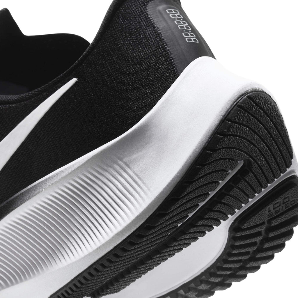 Nike Air Zoom Pegasus 37 GS Kids Black/White - Close Up sole view