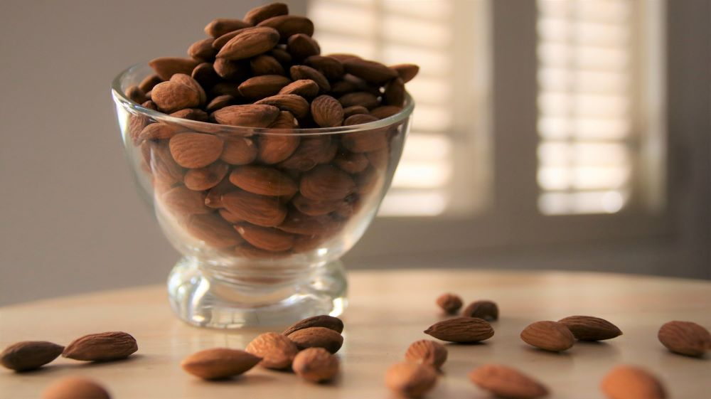 Baked Almond Nuts (1kg)