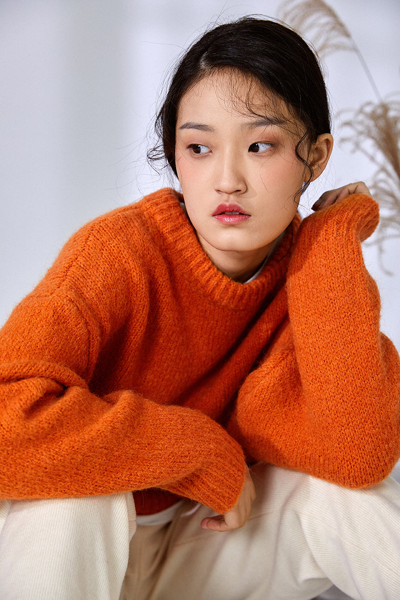 ORANGE NAP SWEATER