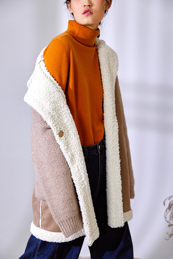 KNIT SLEEVES FLEECE COAT