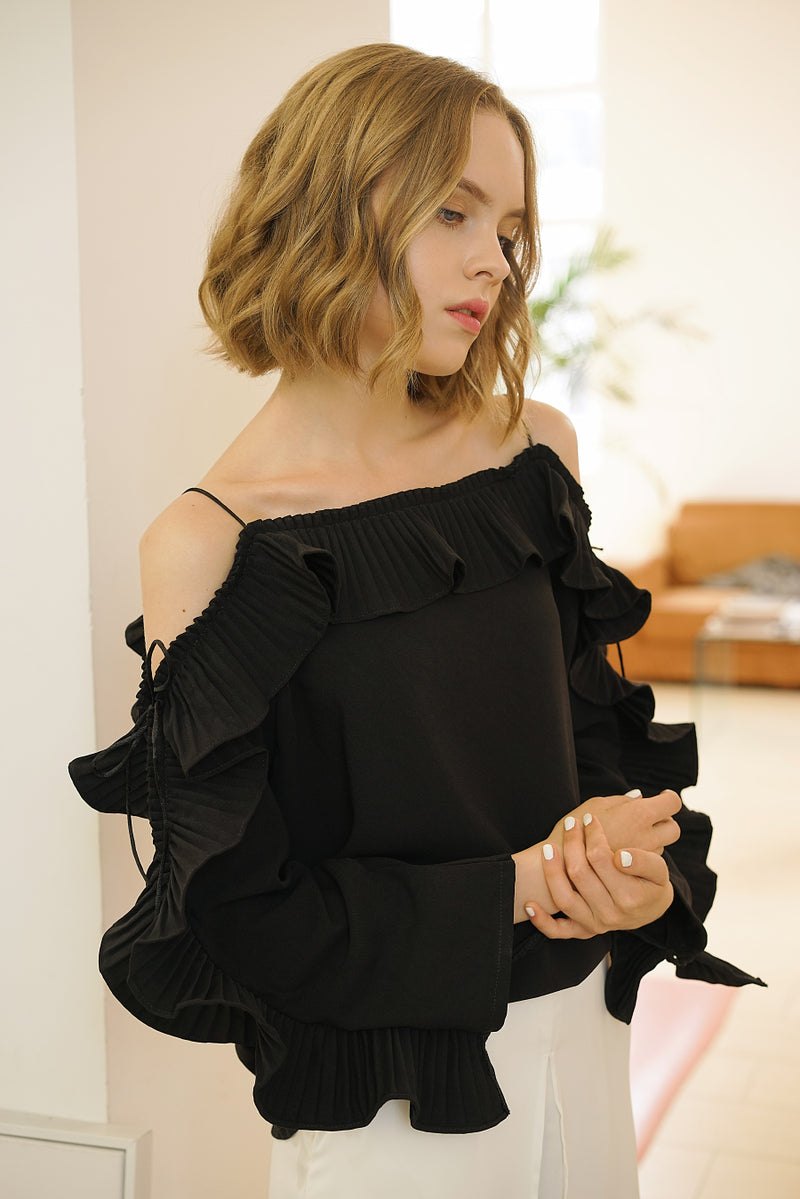 RUFFLE SLEEVES BLOUSE | BLACK