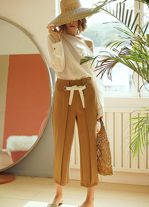 CARAMEL STRAIGHT PANTS
