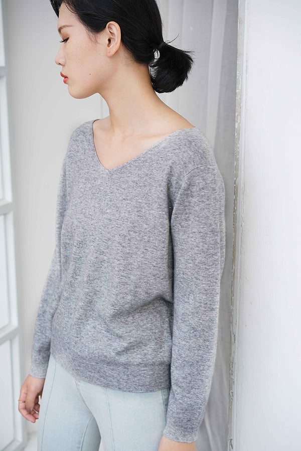 Cashmere V- Neck Knit Top Grey