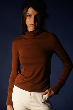 KNIT TOP | BROWN