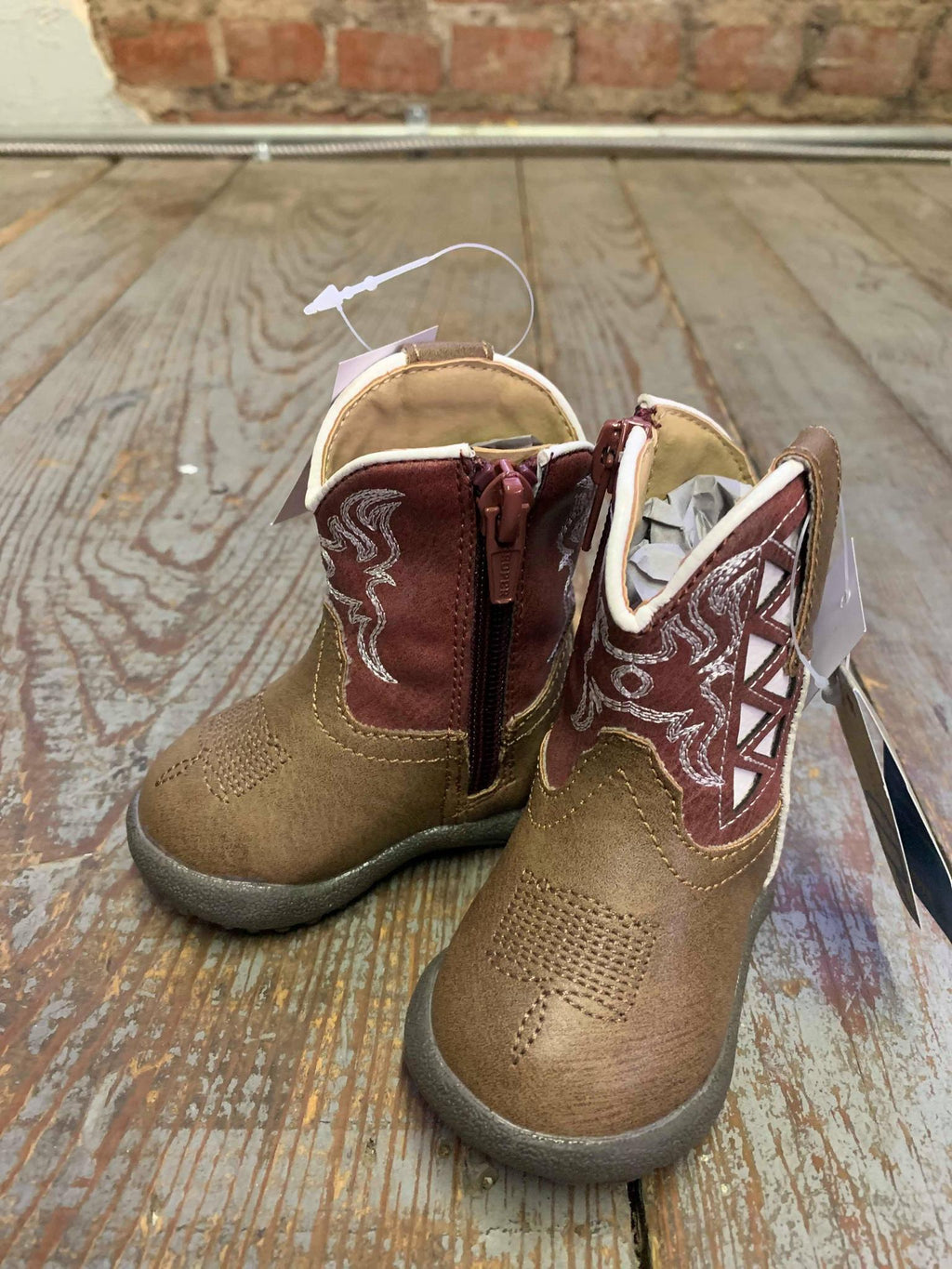 Red and white Cowbaby boot