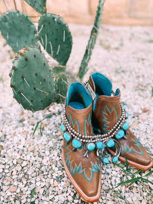 Ariat Dixon- Brown with Turquoise Stitching