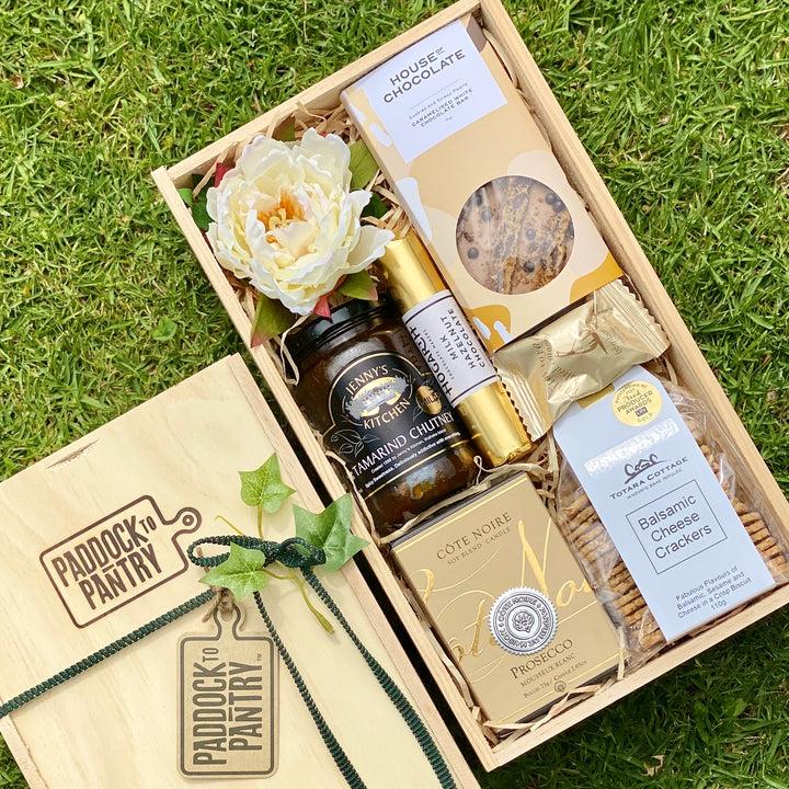 After a gift for a foodie? Look no further. This non-alcoholic Gift Basket includes Cote Noire, House of Chocolate & more. Get this gift delivered anywhere in NZ overnight.