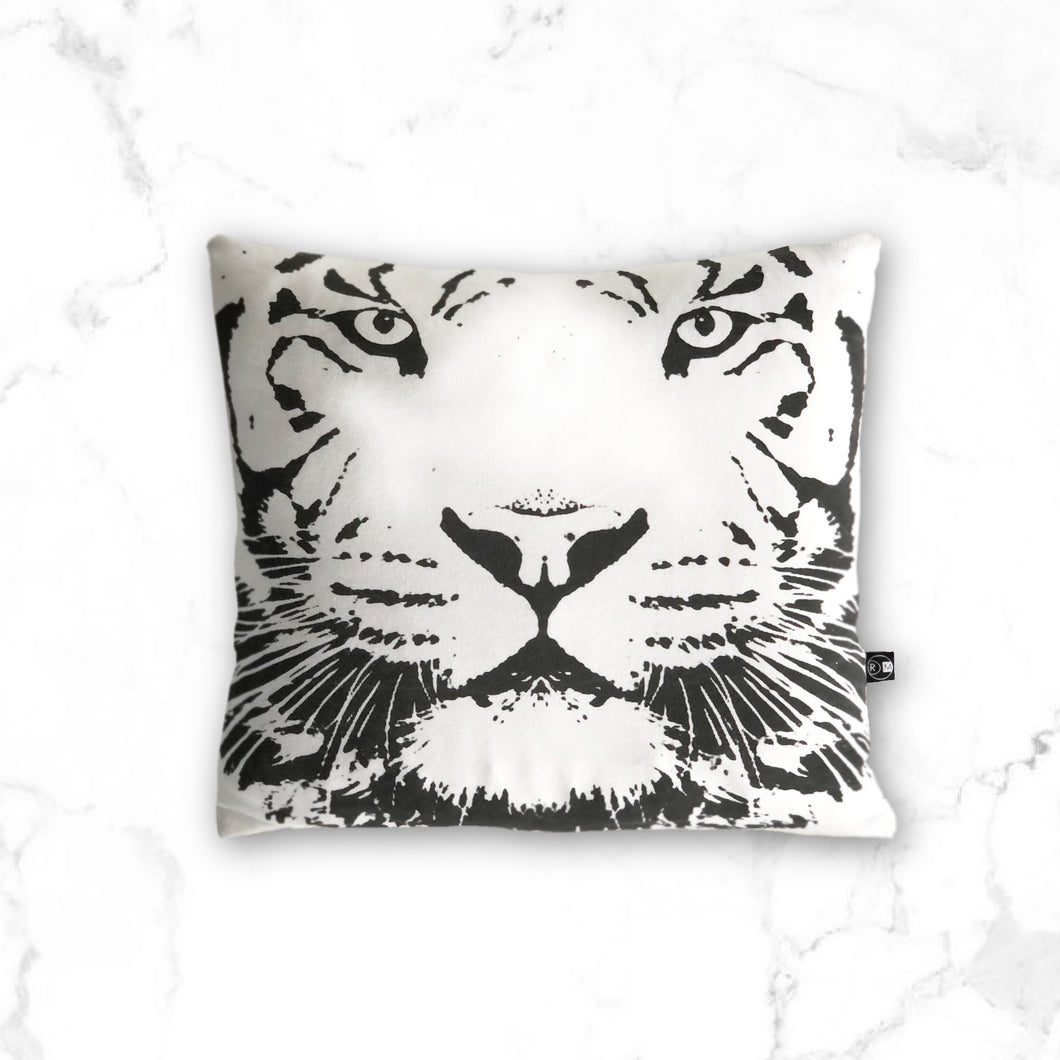 Throw pillow cover- Tiger