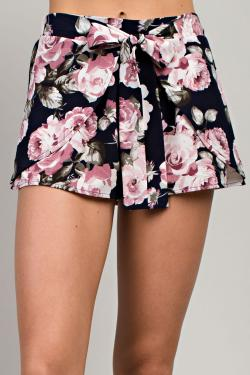 Navy Floral Shorts - Bellamie Boutique