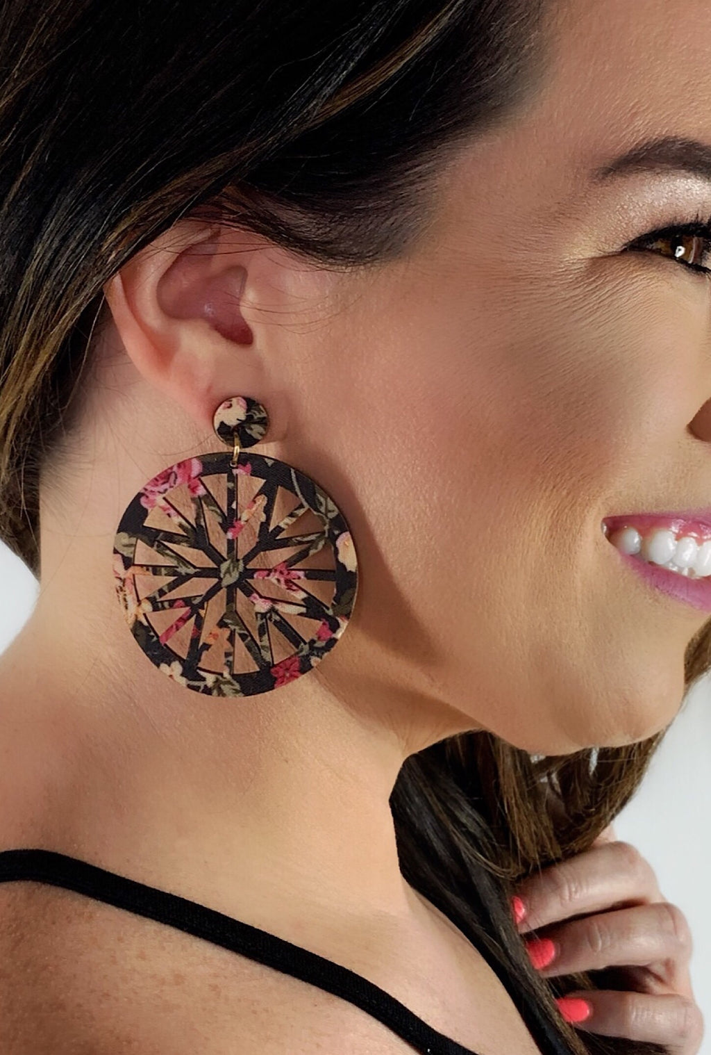 Black Floral Wood Earrings - Bellamie Boutique