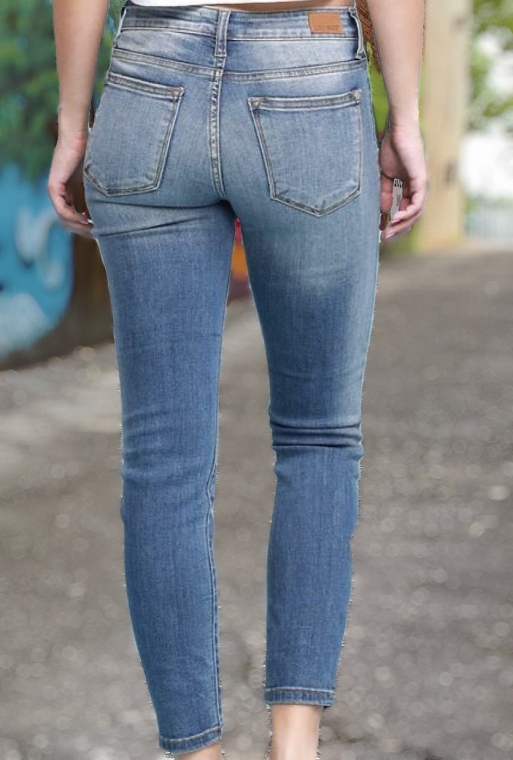 Judy Blue Medium Wash Skinny
