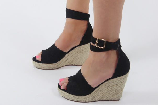 Demas Black Wedges