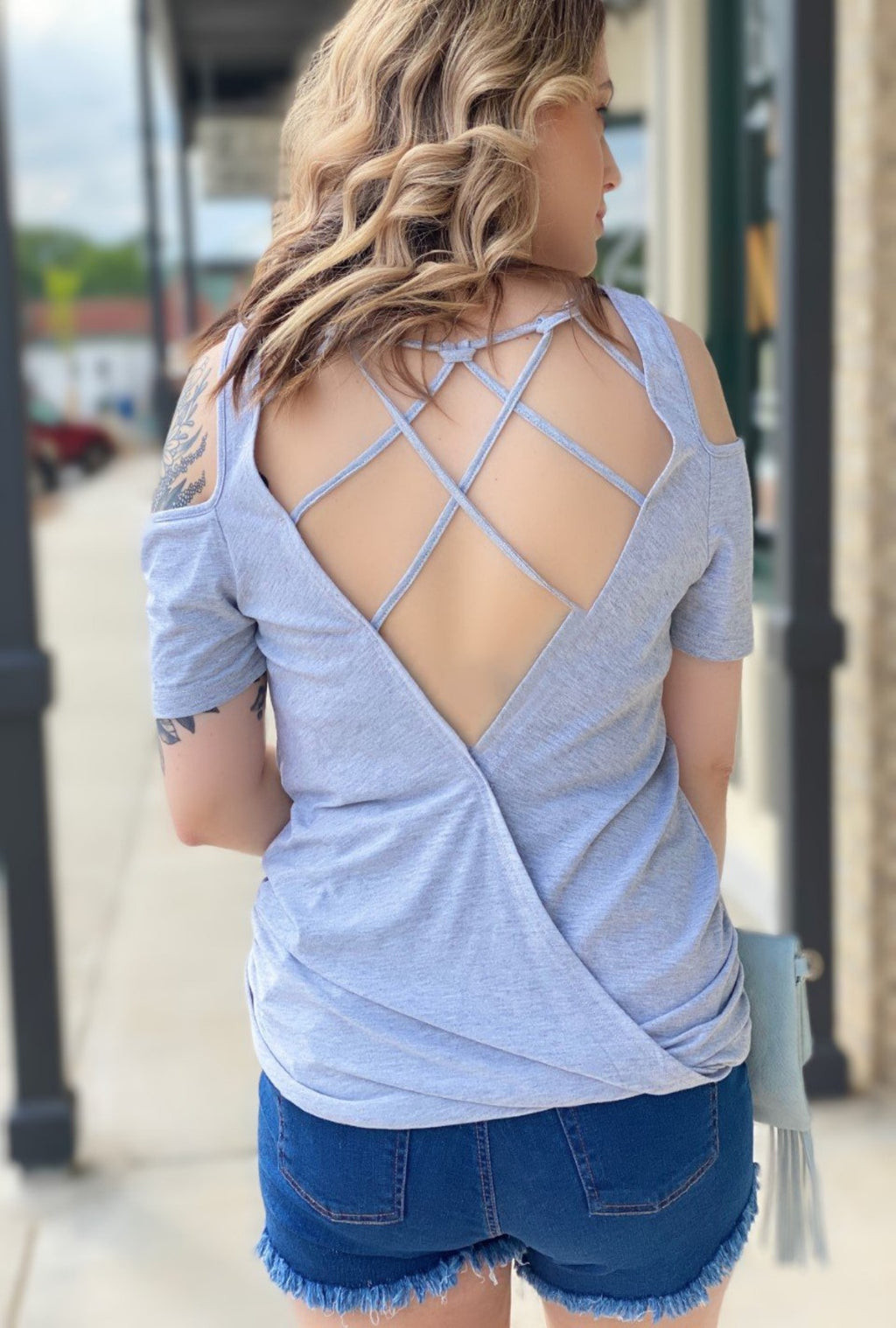 Jaida Cage Back Tee - Bellamie Boutique